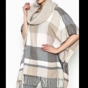 💗2/$20 Fraas Quality Cowl-neck Poncho